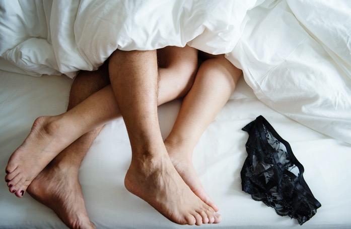 10 Cara Memuaskan Pasangan